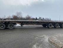 Flatbed-Tri-Axle-48